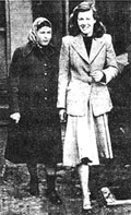 Photograph of Pauline and Juliet before the trial.