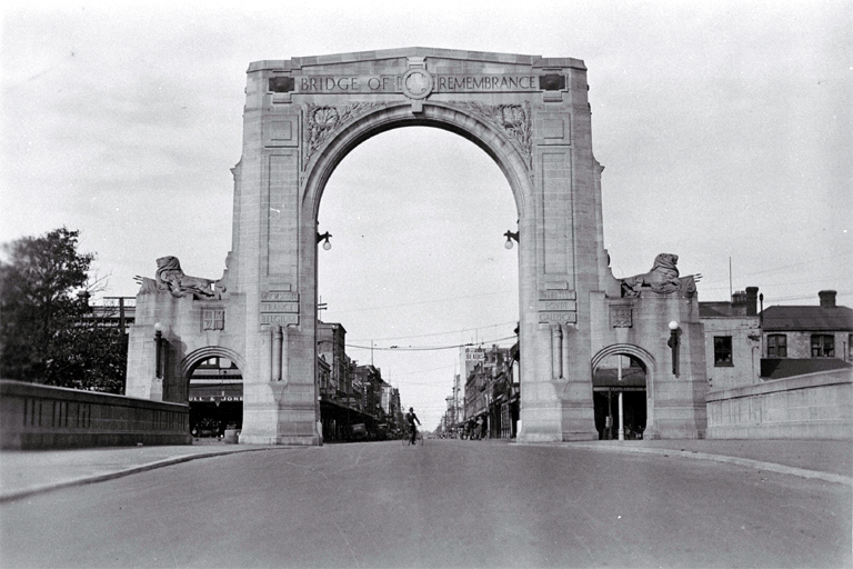 The Bridge of Remembrance with Cashel Street in the background