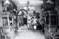 The grand entrance hall and corridor of Coker's Hotel in Manchester Street