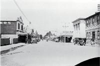 Looking south down Talbot Street, main street of Geraldine [193-?]