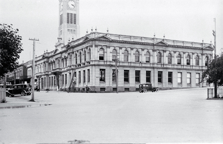 On the corner of George and Latter Streets, Timaru, the Oamaru stone municipal building was completed in 1912