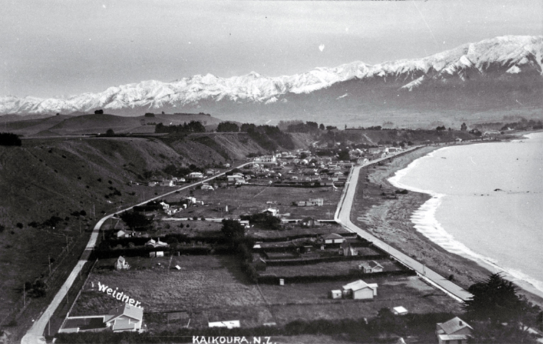The east end of Kaikoura township showing the Esplanade and Torquay Street