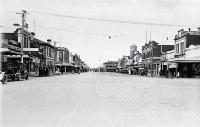 Looking north up Queen Street, Waimate [193-?]