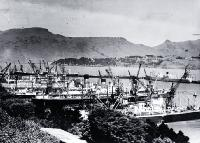 New tonnage record for Lyttelton of 89,670 tons when 20 ships were berthed in the inner harbour and one in the stream awaiting a berth [14 Nov. 1949]