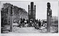 New Zealand International Exhibition 1906-1907 : the Maori residents of Te Araiteuru Pa, with Mr G McGregor of Maxwelltown, Wanganui