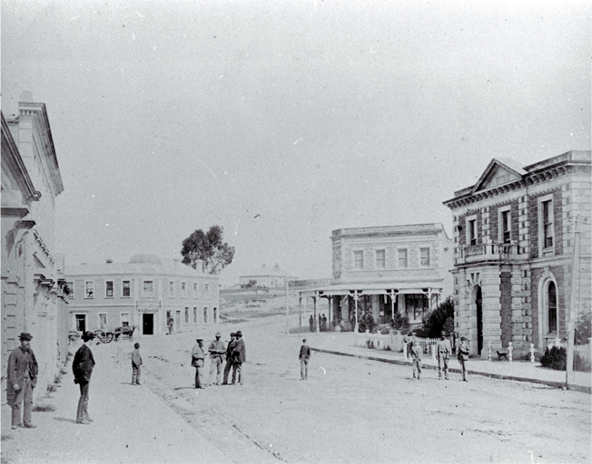 Great North Road (later Stafford Street) Timaru : BNZ building on right, in centre Club Hotel.