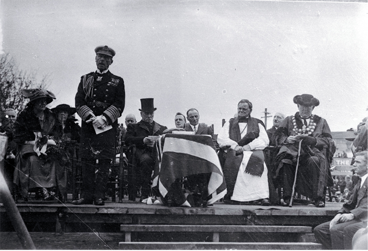 Lord Jellicoe pays tribute to the men who had answered the call to arms in his address, foundation stone ceremony, Bridge of Remembrance