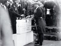 Lord Jellicoe sees the foundation stone is in place, Bridge of Remembrance