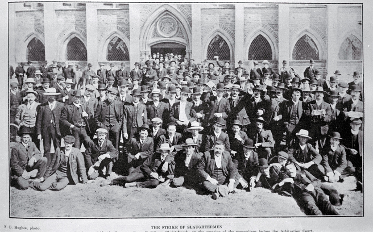 Striking slaughtermen outside the Supreme Court, Christchurch [1907]