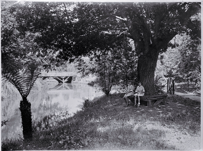 Schoolgirls in the Millbrook Reserve in the late 1920s