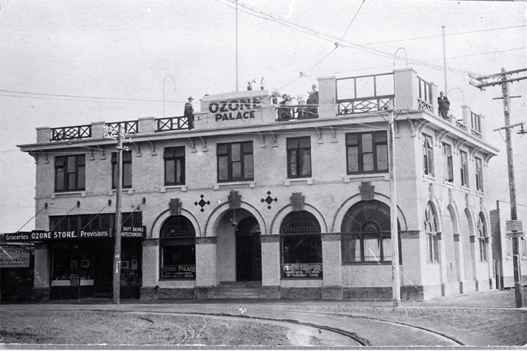 Ozone Café, here called the Ozone Palace