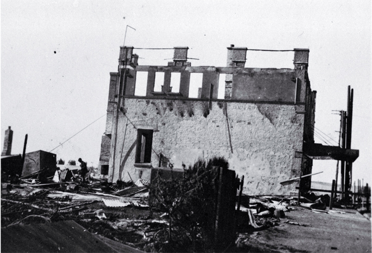 The first Ozone Café after it had been gutted by fire in 1922