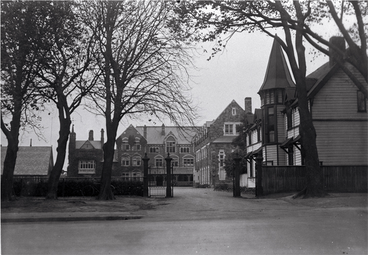 The entrance to Christ's College, Rolleston Avenue