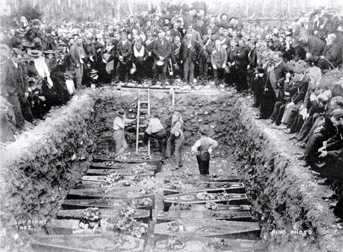 Mass funeral service for the victims of the Brunner mining disaster