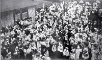 Mothers and Babies gathered outside St Helen's Hospital 1909