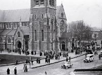 Church worshippers leaving Christchurch cathedral after a service, ca 1930