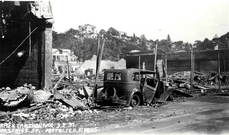 Hastings Street after the Napier earthquake [Feb. 1931], CCL PhotoCD 4, IMG0039