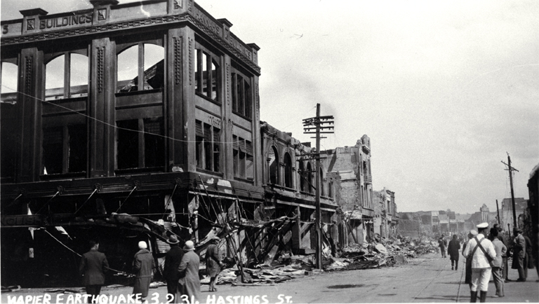 Hastings Street after the Napier earthquake [Feb. 1931] CCL PhotoCD 4, IMG0040