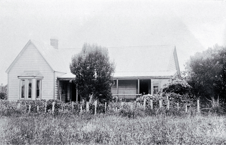 The Shand homestead which replaced the one burnt down in 1906 at Te Whakuru (now pulled down)