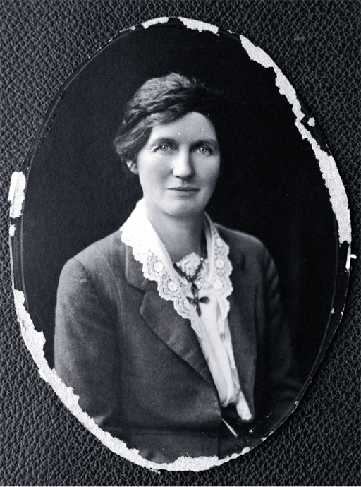 Elizabeth Reid McCombs, née Henderson (1873-1935) [between 1919 and 1925]