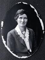 Photo of Elizabeth McCombs, taken between 1919 - 1925
