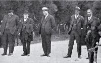 Ngai Tahu land claims : a South Island hui : Maori gathering at Tuahiwi, North Canterbury. 1925