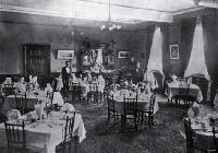 Dining room, Clarendon Hotel, Christchurch [1903]