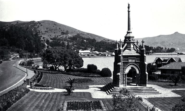 photograph of Akaroa war memorial