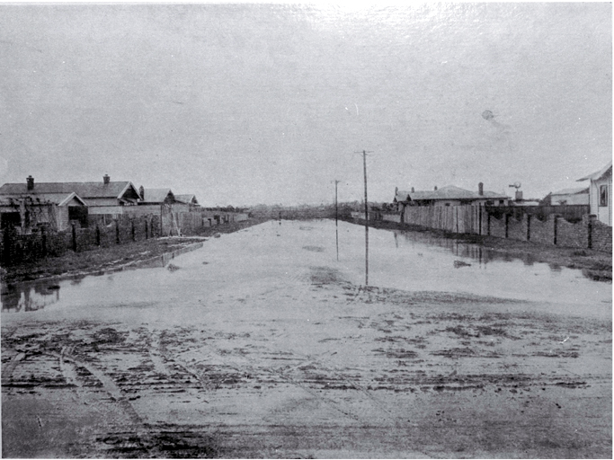 Flooding on Everard Street, Spreydon, Christchurch, on 17 April 1925