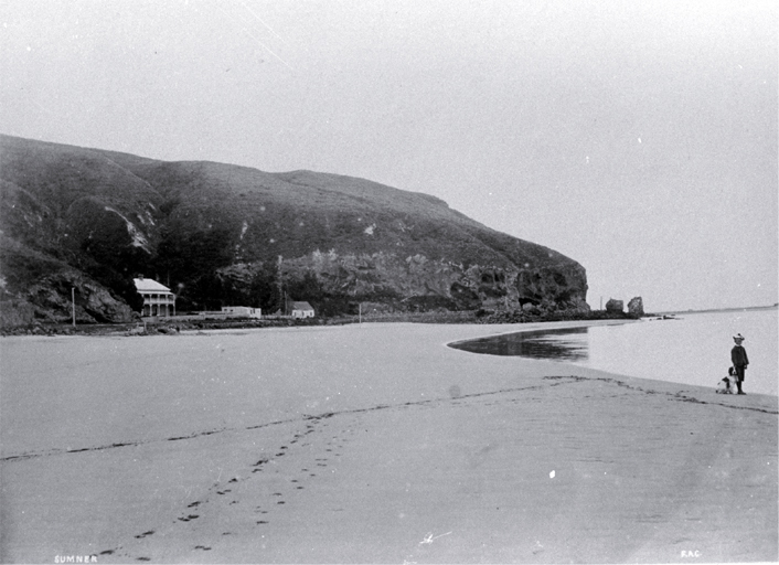 Sumner beach, Clifton Spur and Roger's boarding-house