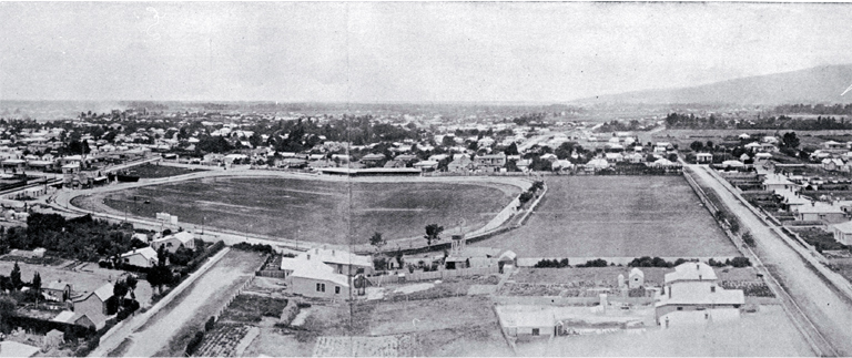 1905 photograph of Christchurch showing Lancaster Park.