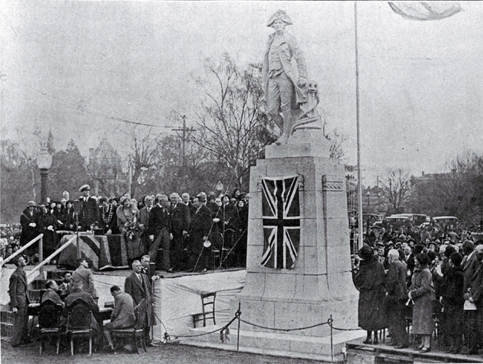 Black and white photo of the unveiling of the Captain Cook statue in Victoria Square by the Governor-General [10 Aug. 1932]